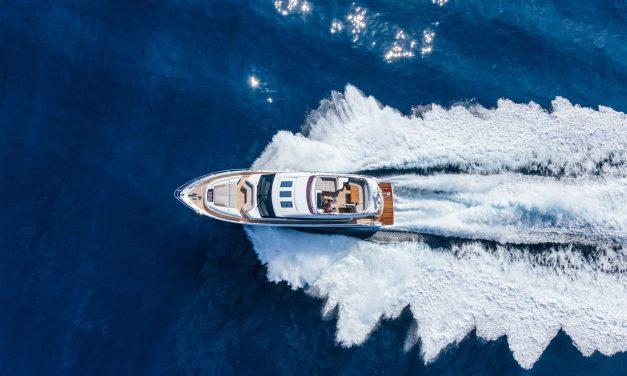 Luxe motorjacht te huur | Varen vanaf Friesland